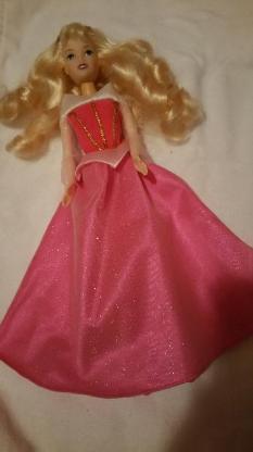 Verschiedene Disney Prinzessinnen Puppen mit Zubehör