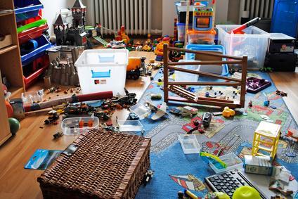 was tun bei zu viel spielzeug im zimmer mamakiez. Black Bedroom Furniture Sets. Home Design Ideas