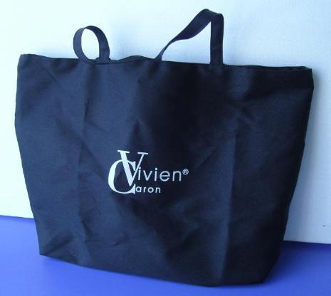 Handtasche in schwarz, nagelneu, unbenutzt