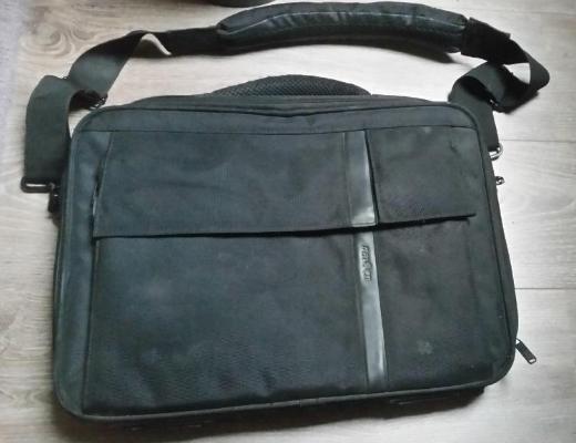 Notebooktasche Pataco CCF-2 43,2 cm (17 Zoll) schwarz