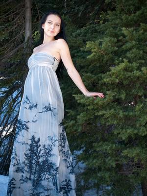 Bild Nachhaltige Mode - Frau in der Natur