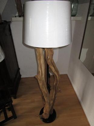 Exklusive Stehlampe Eichenstämme - Wiefelstede