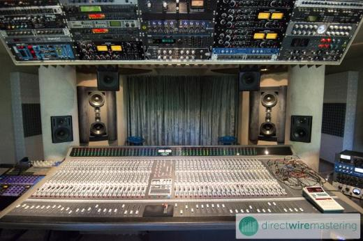 Online Mastering & Mixing - Direct wiring: No plugs, no plugins; pure analog sound! - Martfeld
