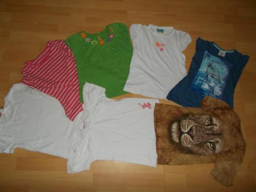 25 Teiliges Sommer Bekleidungs Paket für Mädchen in 128 fast Alles Neu ! - Edewecht