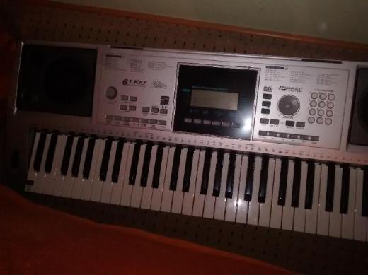 Keyboard vom Aldi zuverkaufen - Berne