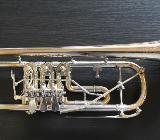 Kühnl & Hoyer Konzert - Trompete Goldmessing mit Überblasklappe inkl. Koffer