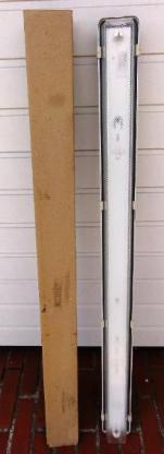 2 RIDI-Feuchtraum-Leuchstoffleuchten Typ PFAG 136 1x 36Watt - Bassum