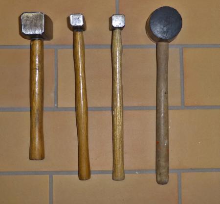 4  versch. Hammer, 1 Fäustel, 2 Hammer, 1 Gummihammer - Münster