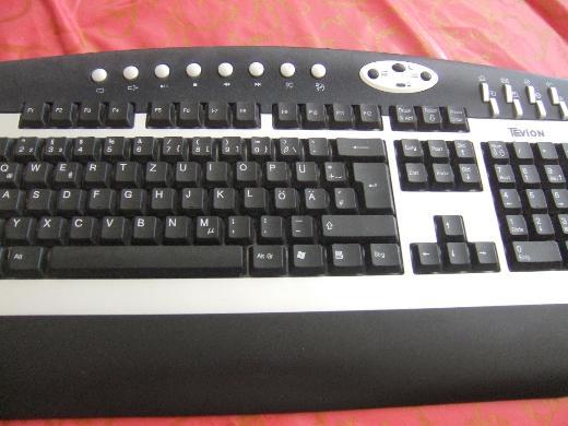 Computer -  Funktastatur / TEVION  und eine Computer Maus / TEVION
