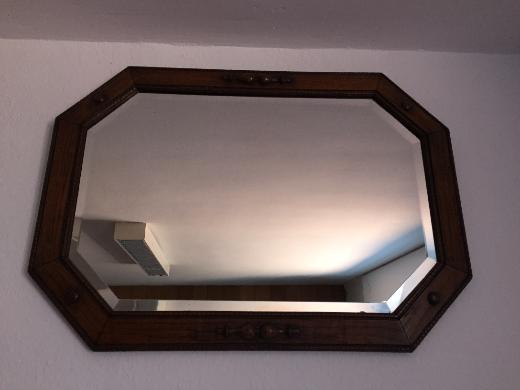 Schöner dunkler Holz-Spiegel zu verkaufen