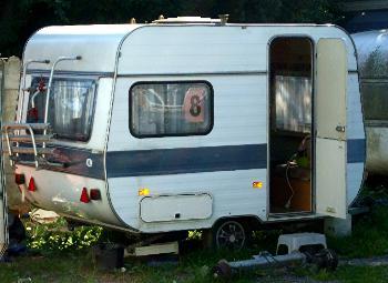 Kleiner Adria Wohnwagen