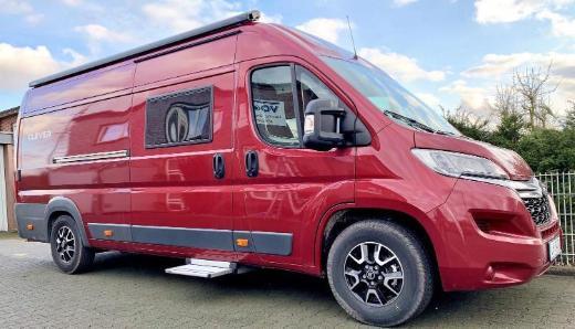 Fünf reisefertige Wohnmobile mieten. Alle aus 2019
