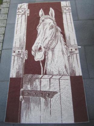 Handtuch mit Pferdemotiv