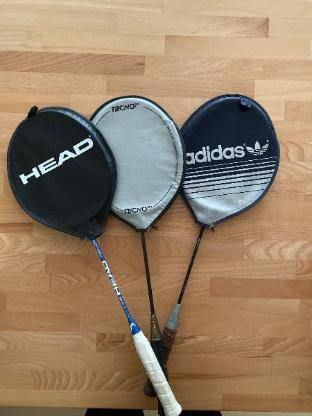 3 Badmintonschläger inkl. Hülle und Bälle, 1x Head