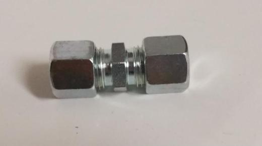 Ermeto Schneidringverschraubung, Kupplung gerade 10 mm neu, inklusive Versandkosten