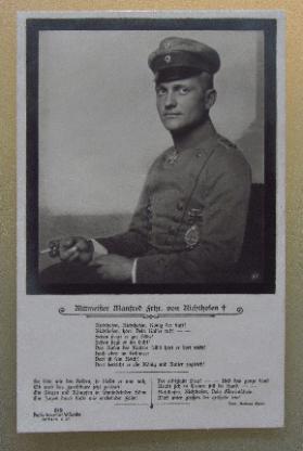 Fotopostkarte von Richthofen mit Gedenkgedicht. Ungelaufen.