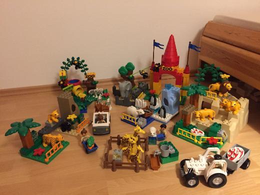 Lego Duplo Zoo Super-Set, exotische Tiere, Tierbabys, Tierpfleger