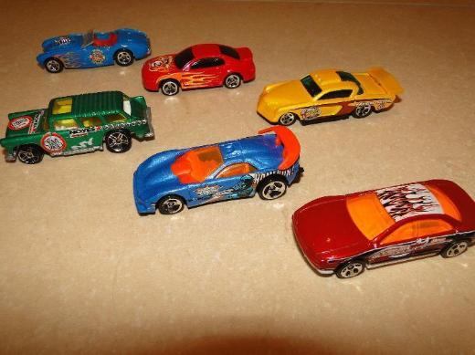 Hot Wheels,14 Modelle, sehr guter Zustand, keine Kratzer