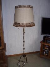 Antike Messing Stehlampe mit Stoffschirm und massivem Messing Ständer, Top Zust.