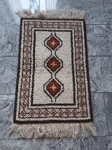 Handgeknüpfter kleiner Teppich