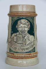 Bierkrug mit Trinklied-Vers u. Relief, ca. 1920er-Jahre o. älter