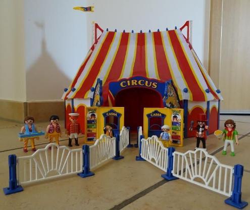 Playmobil Zirkus mit LED-Portal (4230) + Raubtierdressur (4233)