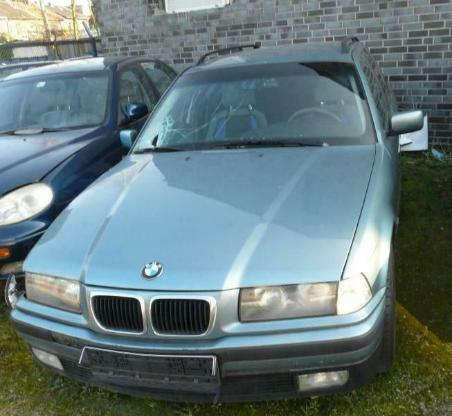 BMW e36 Kombi Motorhaube moreagrün metallic