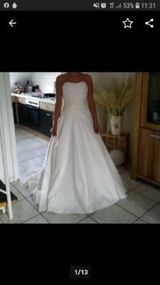 Ich verkaufe mein wunderschönes Brautkleid inkl. Schleier  Gr.38-40 von Lilly Brautmoden. - Bocholt