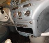 Toyota Yaris Schlachtfest schwarz 1.0 L schwarz Schlachfest Sitz - Bocholt