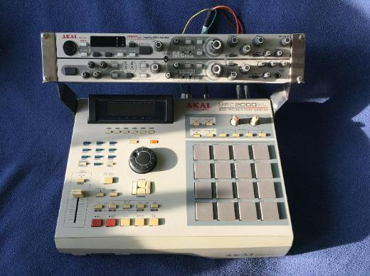 Akai MPC 2000XL & MFC42 Filter - 8 Outs