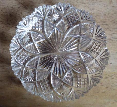 Sehr alte Kristallteller