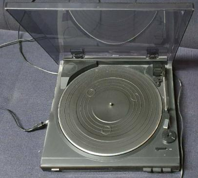 Dual CS 400 Full Automatic Turntable with pre Amplifier