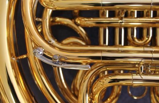 Meister Hans Hoyer 801 GL Doppelhorn mit Wasserklappe. Goldlack. Neuware - Hagenburg