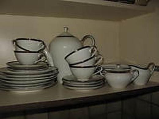 Kaffeeservice für 6 Personen von Bavaria/Bayreuther Waldsassen, cremeweiß mit Goldrand - Oldenburg (Oldenburg) Osternburg