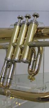 Kühnl & Hoyer Profiklasse Flügelhorn, Modell 150 G. Goldmessing. Neuware - Bremen Mitte