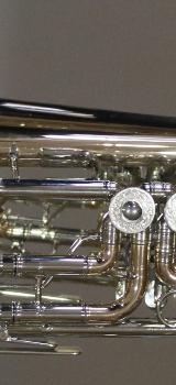 Meister J. Scherzer Konzerttrompete aus Goldmessing mit Neusilberkranz inklusive Koffer - Bremen Mitte