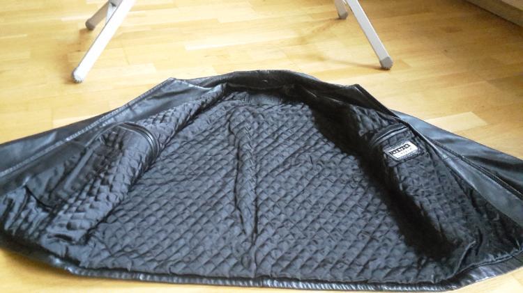 schwarze herren lederjacke gr m bremen weser kurier. Black Bedroom Furniture Sets. Home Design Ideas