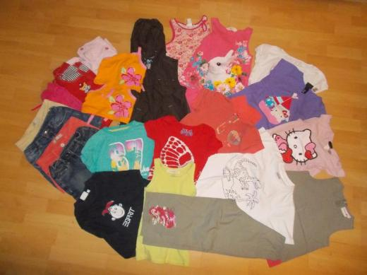 23 Teiliges Sommer Bekleidungs Paket für Mädchen in 122 fast Alles Neu ! - Edewecht