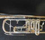 Kühnl & Hoyer Konzert - Trompete Goldmessing mit Überblasklappe inkl. Koffer - Bremen Mitte