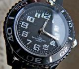 Schöne Damen-Armbanduhr, 5 BAR wasserdicht, Kautschuk-Armband, neuwertig! - Diepholz