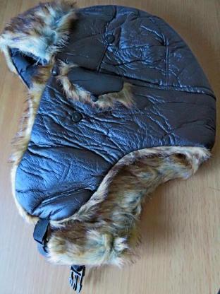 """Zum Winter: """"Chapka"""", wärmende Kappe, waschbar, Polyester, ungetragen in OVP - Diepholz"""