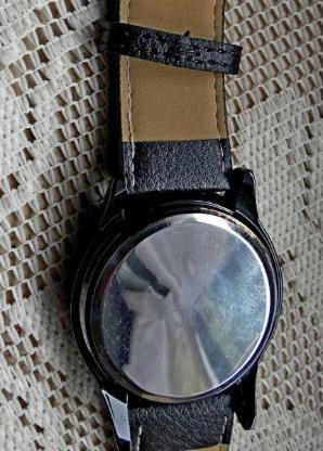 """TOUCH""-LED-Armbanduhr, innovatives Display, mit Lederarmband, neuwertig! - Diepholz"