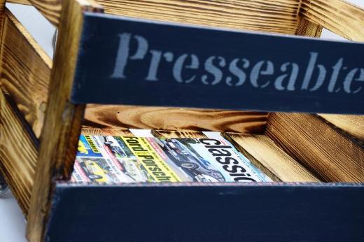 Zeitschriftenkiste, Zeitungsständer, Zeitschriftenhalter,Kiste,AufbewahrungZeitschriften,Büroordnung,Rollcontainer,OrdnungimBüro - Stuhr
