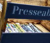 Zeitschriftenkiste, Zeitungsständer, Zeitschriftenhalter,Kiste,AufbewahrungZeitschriften,Büroordnung,Rollcontainer,OrdnungimBüro - Bremen