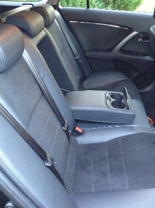 Toyota Avensis Kombi Executive 2,2 D 6-Gang Automatik schwarzmetallik - Hagen im Bremischen