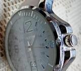 Marken-Armbanduhr, Edelstahl, Silikonarmband, Lünette, neue Batterie, top! - Diepholz
