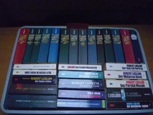 Robert Ludlum,  29 Bücher 1,48 € pro Buch - Bad Zwischenahn