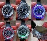 Hingucker! Damen-Armbanduhr, Strass-Lünette, LED-Lichter, neu! - Diepholz