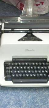 2 Schreibmaschinen - Osterholz-Scharmbeck