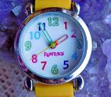 Schöne, getragene Kinder-Marken-Armbanduhr, Batterie neu, Silikonarmband - Ansehen! - Diepholz